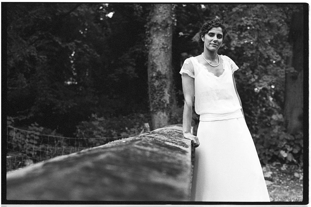 portrait femme robe mariage noir et blanc